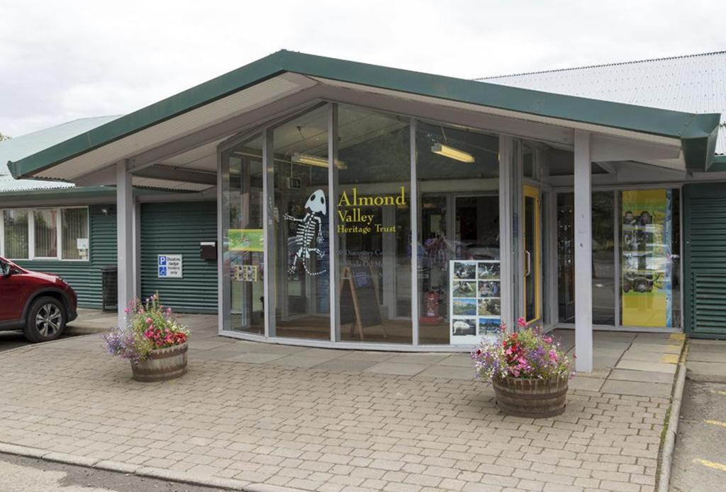 Appleton Grange, Livingston