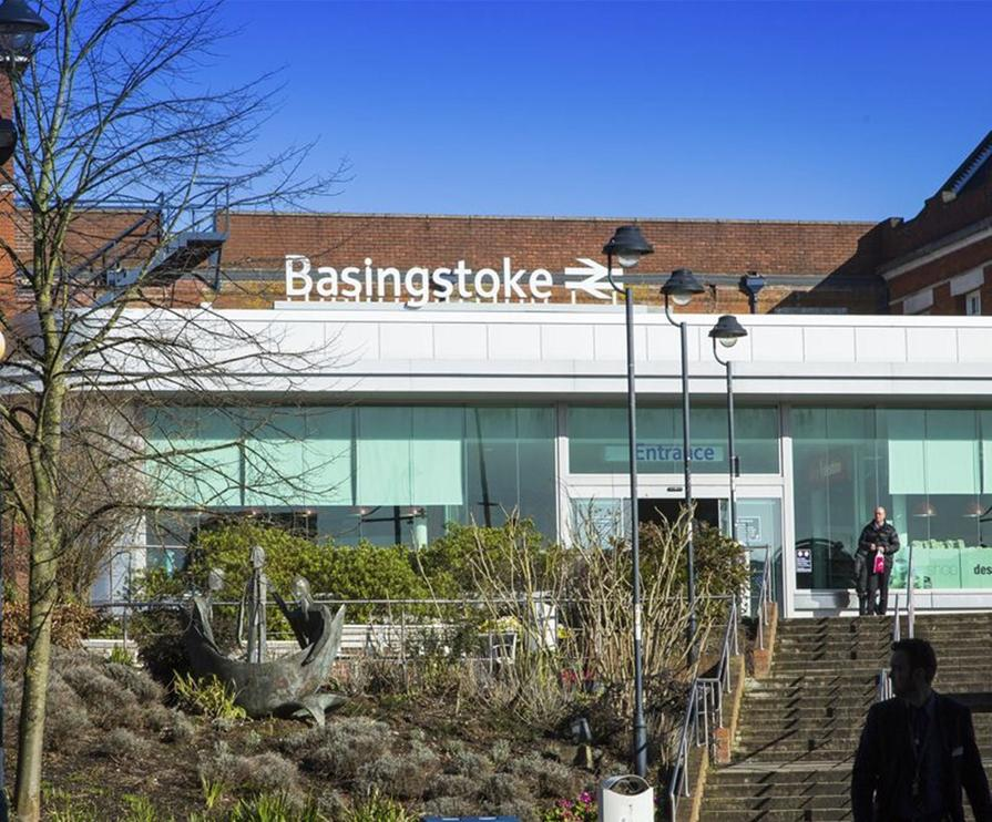 Basingstoke train station
