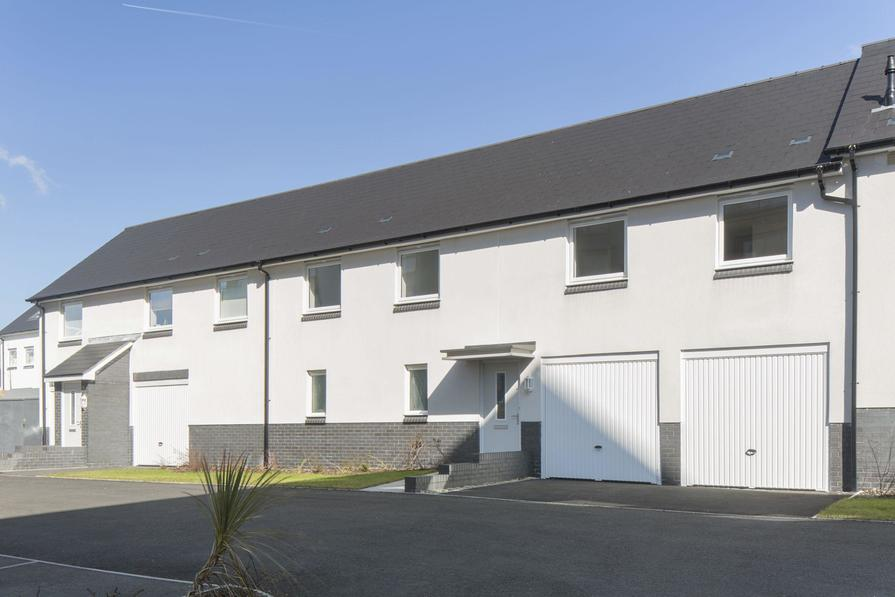 External, Newbridge