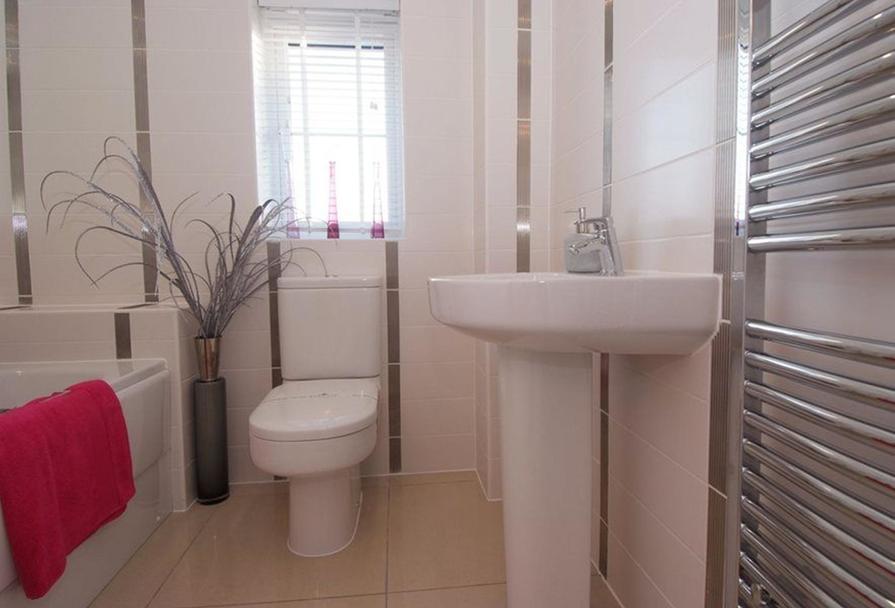 Somerton bathroom