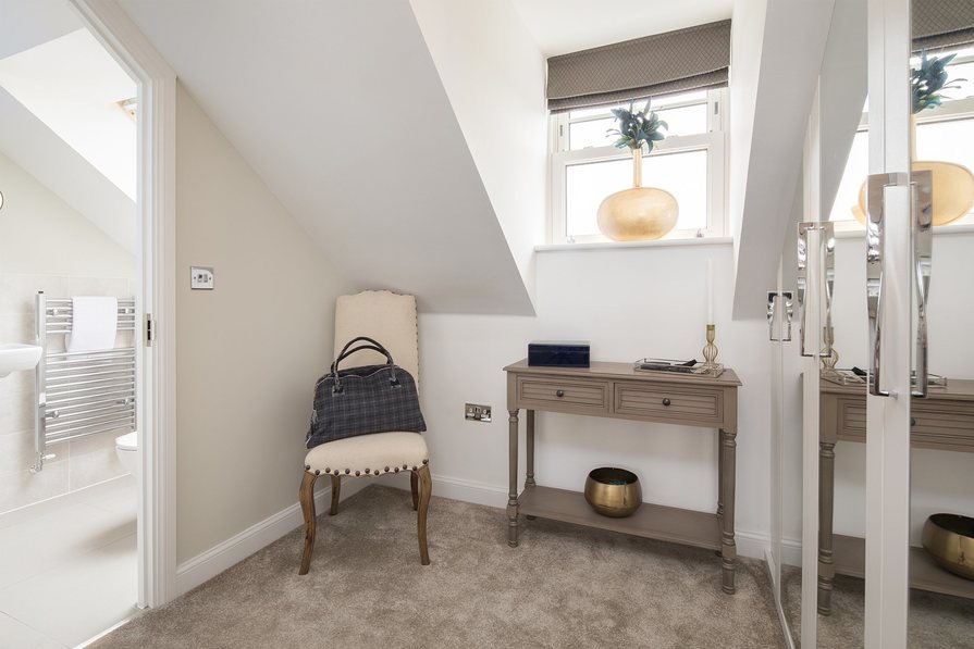 Norbury en suite and dressing area