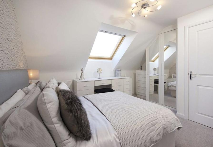 Helmsley bed 2