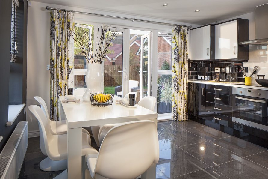 Brentwood kitchen dining area