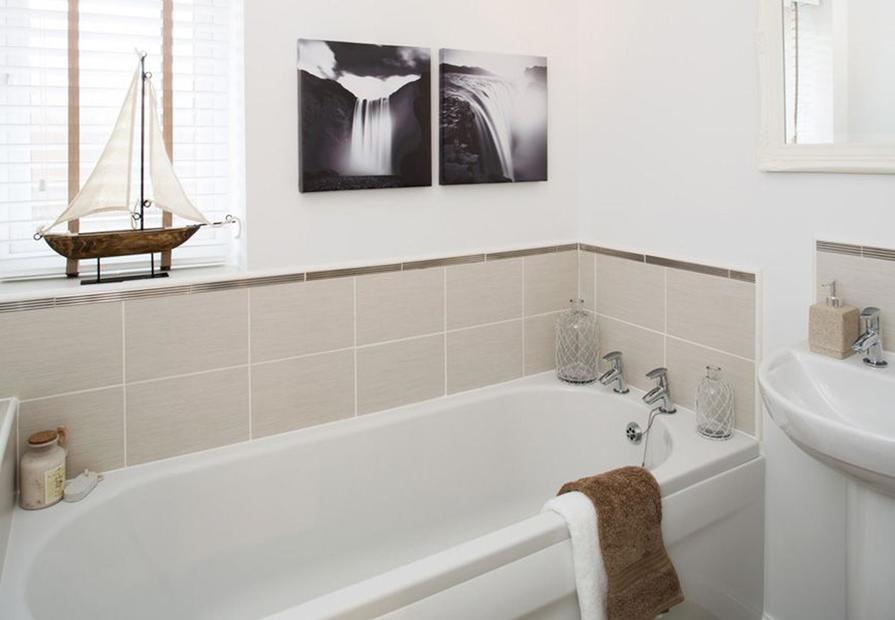 Barwick bathroom