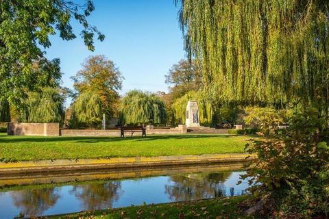 Bourne, Lincolnshire PE10
