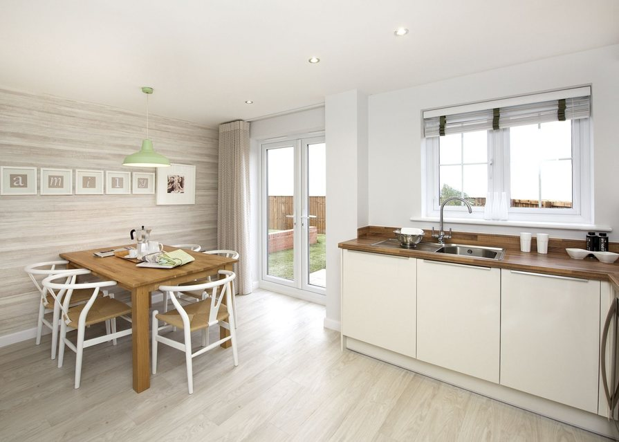 Typical Finchley dining area to the kitchen with French doors