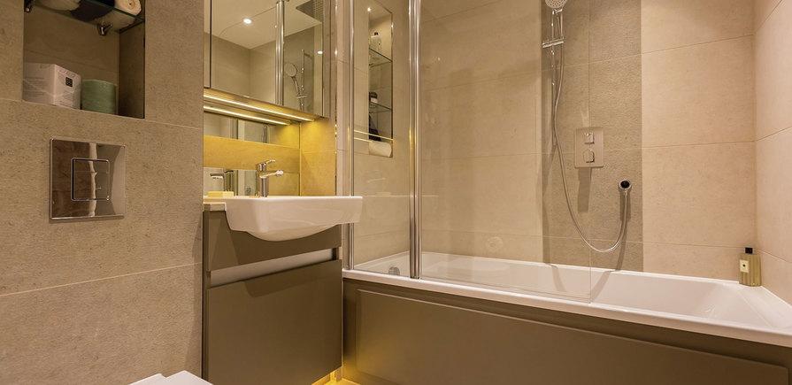 Berkeley, Royal Arsenal Riverside, Waterfront Show Apartment, Bathroom