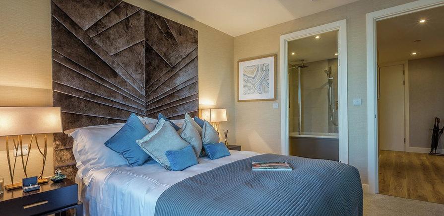Berkeley, Royal Arsenal Riverside, Waterfront Show Apartment, 3 Bedroom En Suite