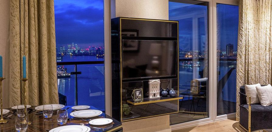 Berkeley, Royal Arsenal Riverside, Waterfront Show Apartment, Dining