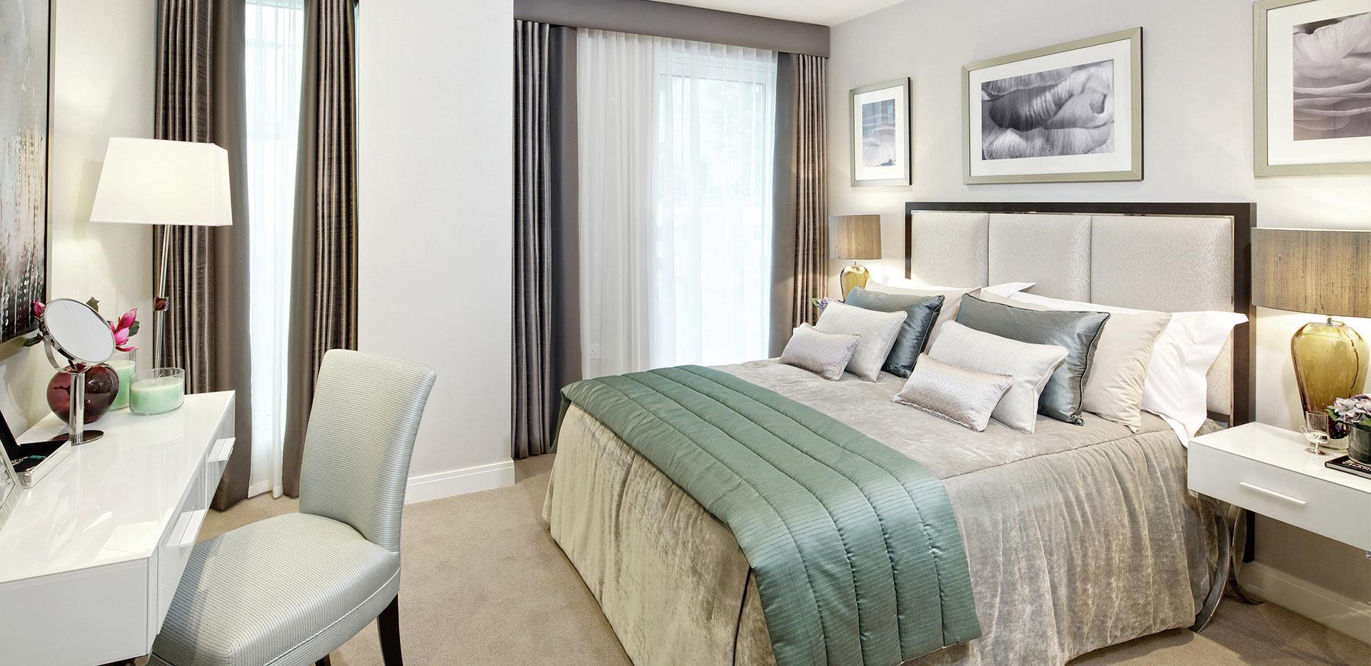 Berkeley, Vista, Show Apartment Bedroom