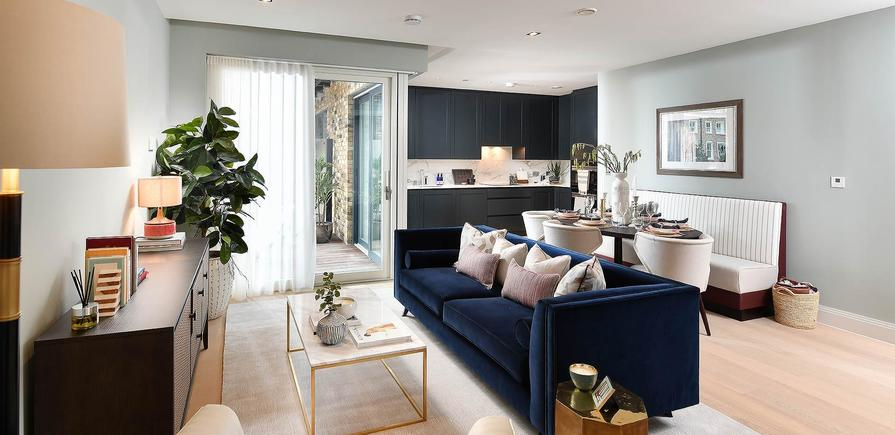 Berkeley, Chiswick Gate, Show Apartment, Bedroom and Ensuite
