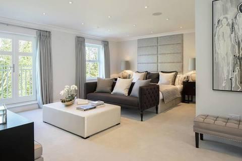 5 bedroom  house  in Sunningdale
