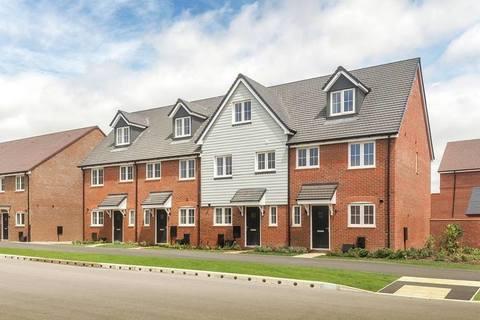 The Chichester Hulsfield - Plot 16