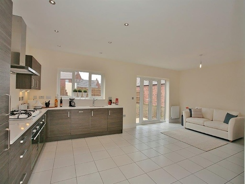5 bedroom  house  in Wellesbourne