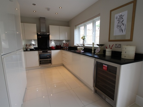 5 bedroom  house  in Bramley