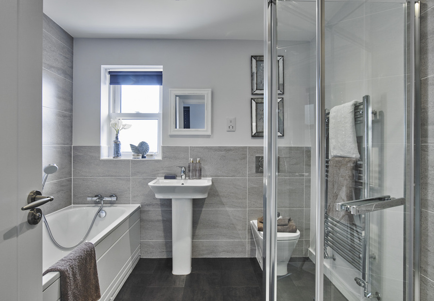 Image of 4 bed, main bathroom - indicative only