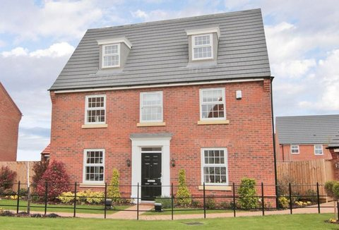 5 bedroom  house  in Clayton-le-Woods