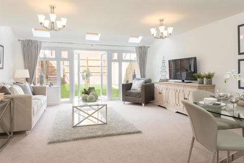 5 bedroom end terraced house for sale