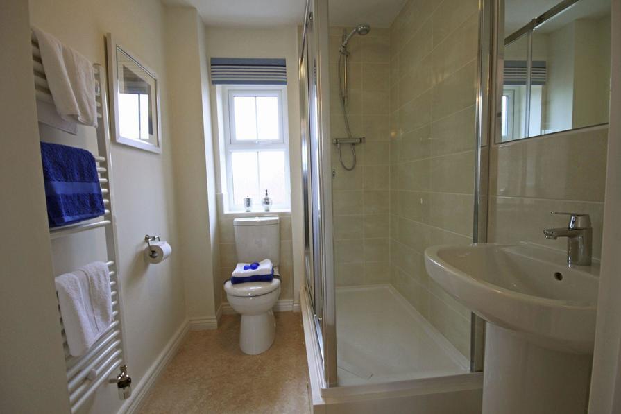 The Fairway bathroom