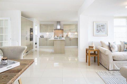 6 bedroom detached house for sale