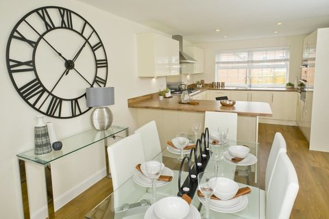 4 bedroom  house  in Whitchurch