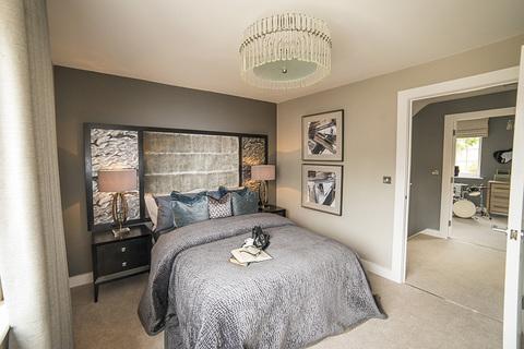 3 bedroom mid terrace for sale