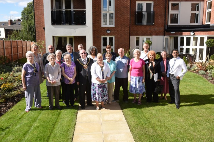 Mayor and Mayoress of Wolverhampton visit Algar Court