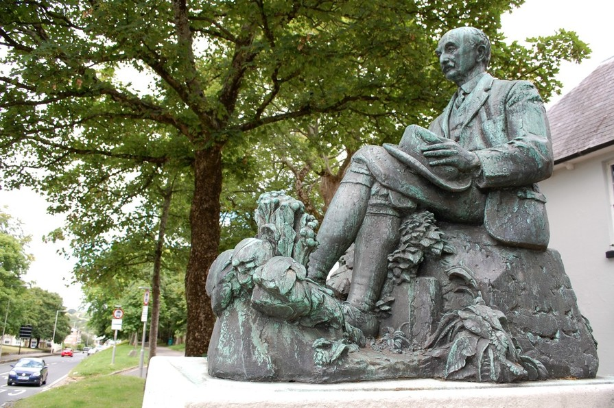 Thomas Hardy's statue