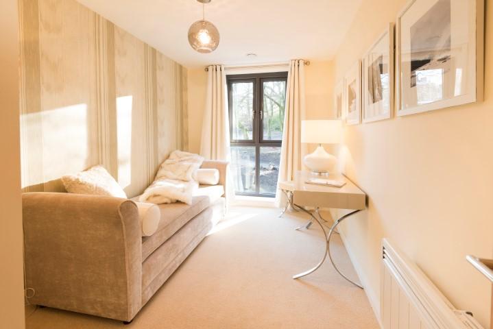 Show apartment second bedroom/study