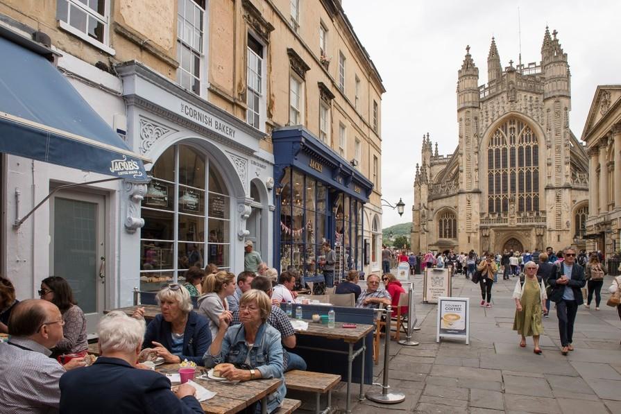 Good transport links to Bath