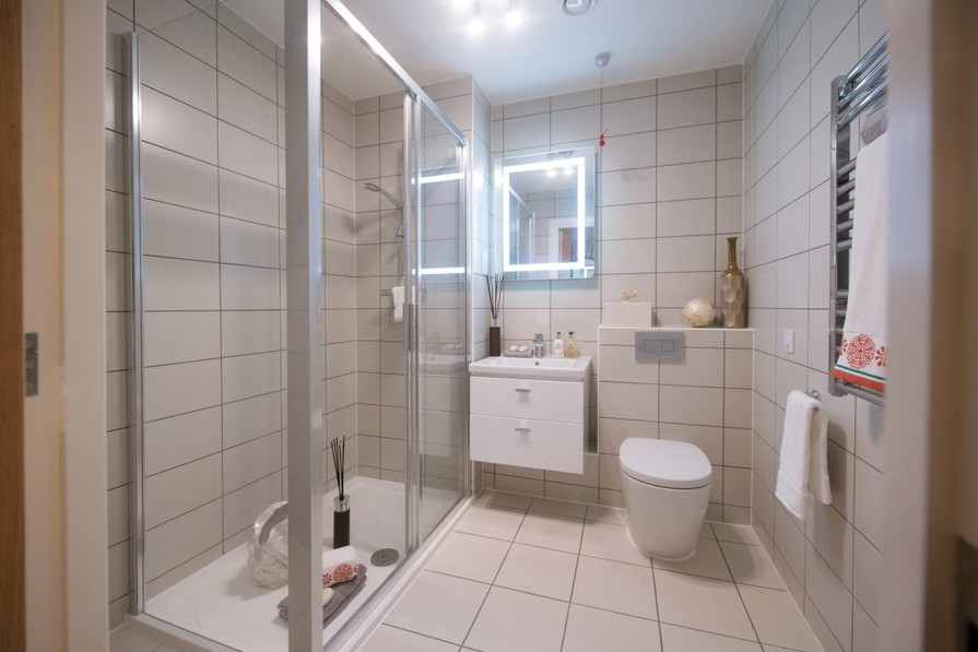 One Bedroom Show Apartment - Shower Room