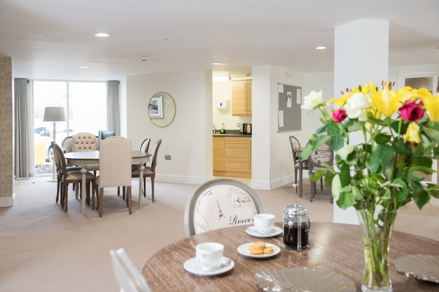 Sanderson Court Homeowners' Lounge