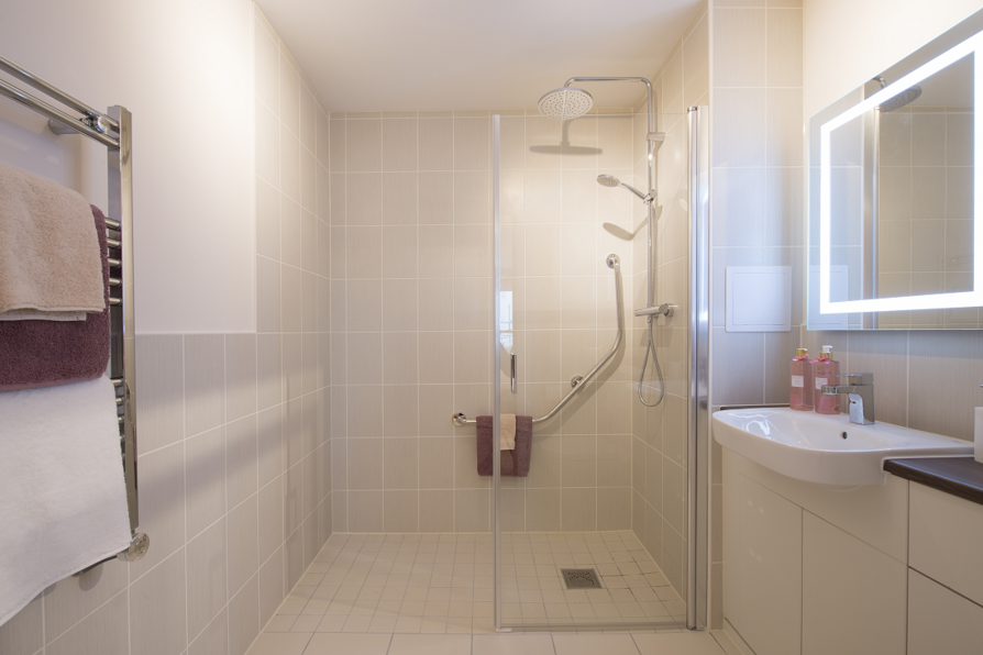 Typical bathroom in a 2 bedroom apartment
