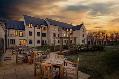 Ascott-under-wychwood, Oxfordshire OX7