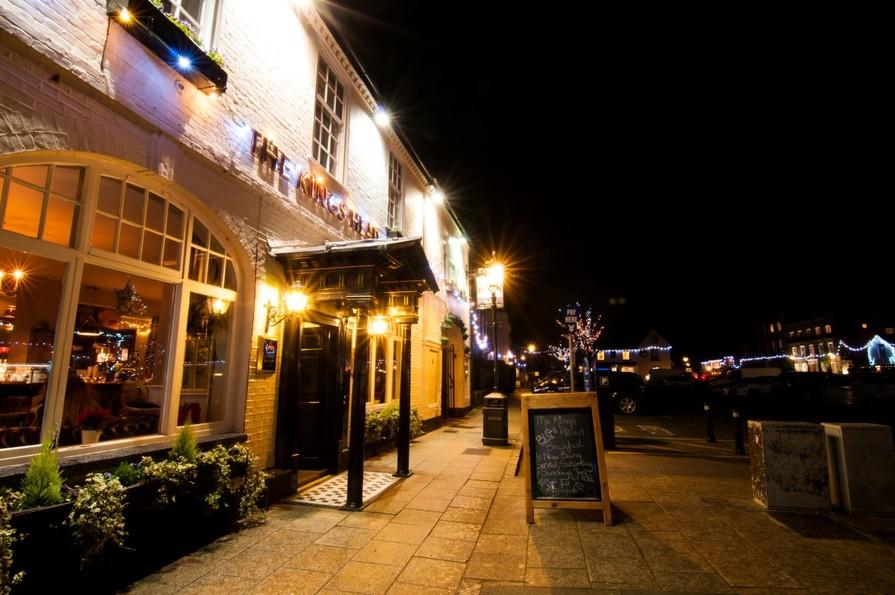 Wickham by night - High Street