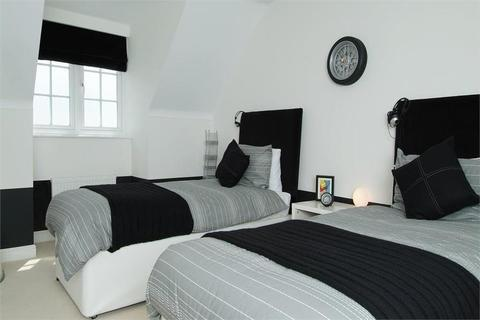 5 bedroom  house  in Huddersfield