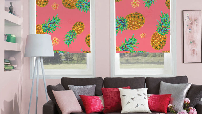 Pineapple roller blind in coral