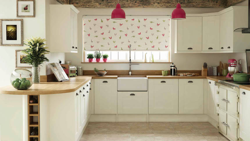 Poultry-themed roller blind (Direct Blinds)