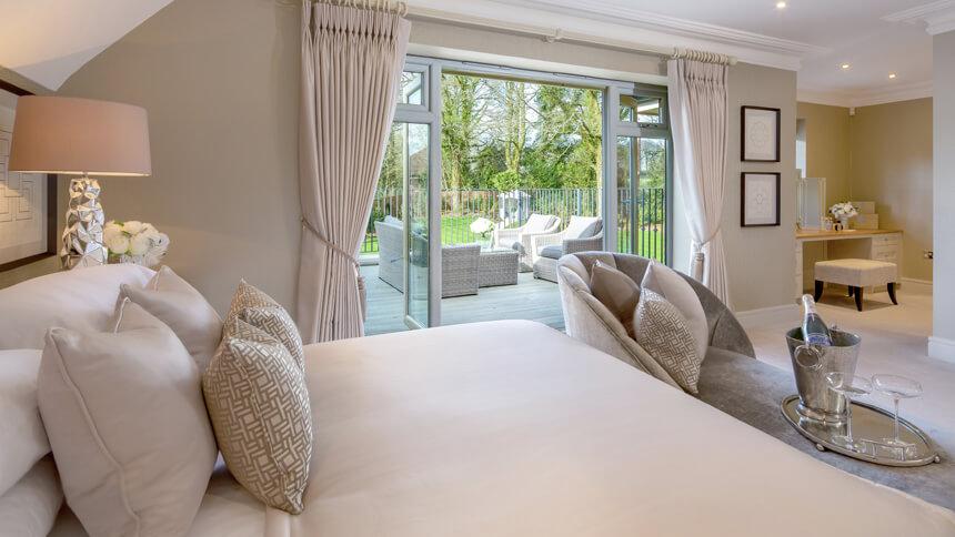 Hamilton Place master bedroom (Millgate)