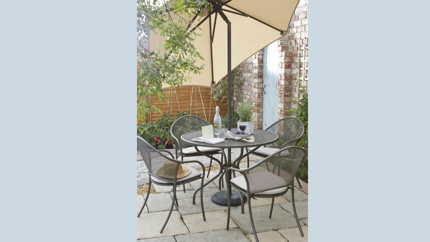 B&Q Summerfield dining set