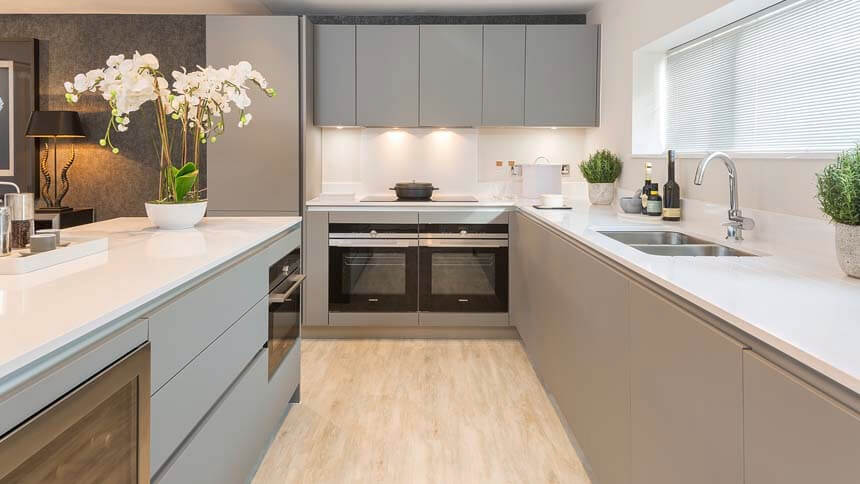 Kingfisher kitchen (CALA Homes)