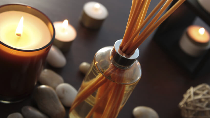 Candles and diffusers for a beautiful scent