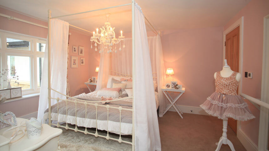 The Harrogate show home - a girl's bedroom