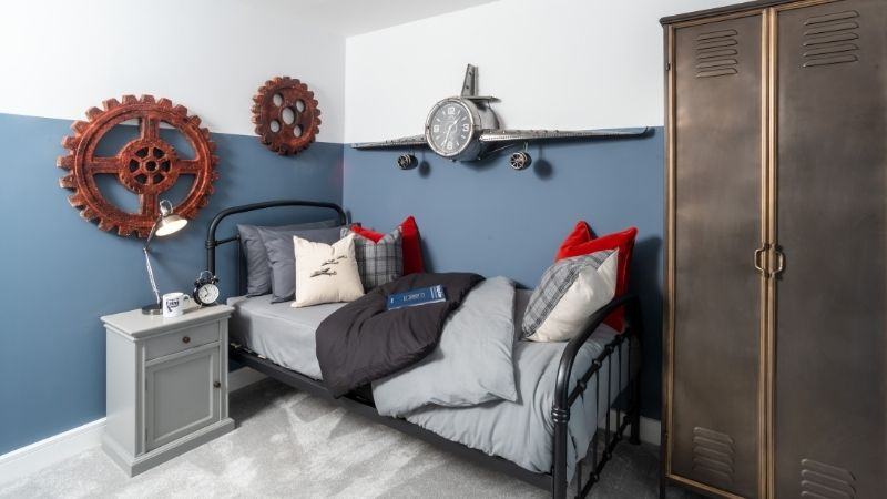 'Medway' 'boys room'