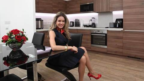 Elizabeth in her new apartment (Barratt Homes)