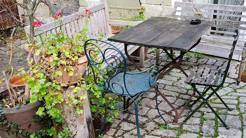 outdated garden (Schad)