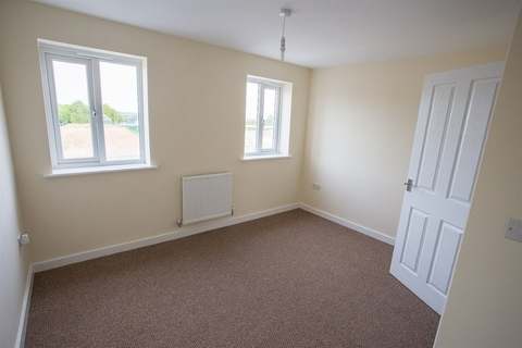 3 bedroom  house  in Clipstone Village