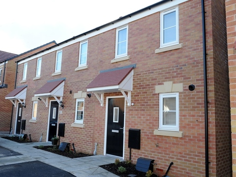 2 bedroom end terraced house for sale