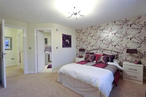 4 bedroom  house  in Oakenholt