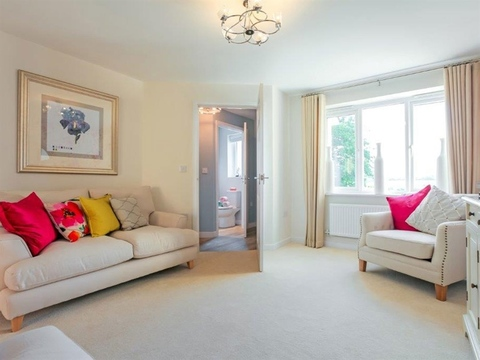 2 bedroom  house  in Leigh